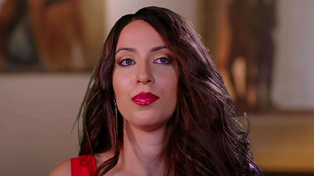 Amira Lollysa appears in a 90 Day Fiance talking head