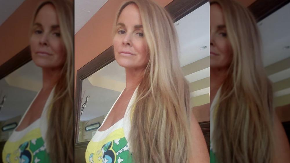 Stephanie Davison poses for a selfie