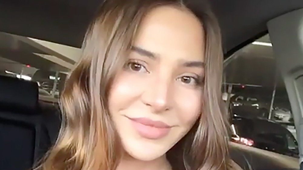 Anfisa Nava takes a selfie on Instagram