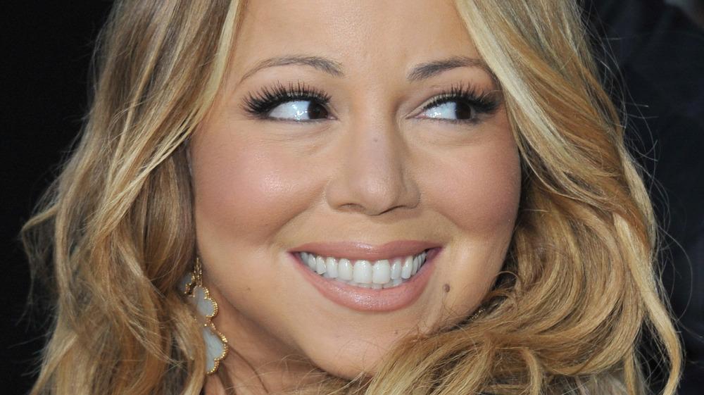 Mariah Carey looking over her shoulder
