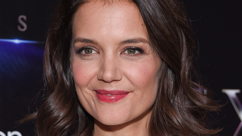Katie Holmes red lips