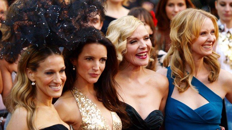 Sarah Jessica Parker, Kristin Davis, Kim Cattrall, Cynthia Nixon posing at a SATC premiere