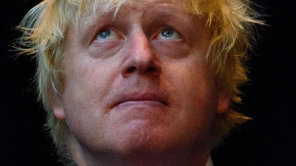 Boris Johnson in mask