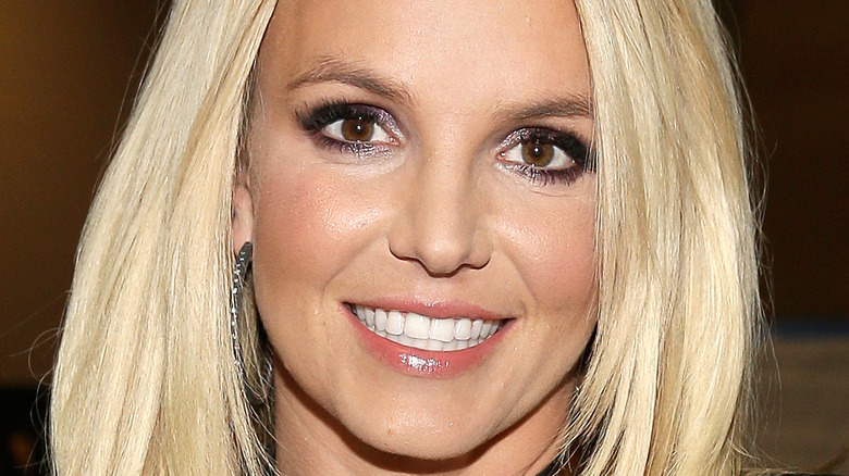 Britney Spears straight hair