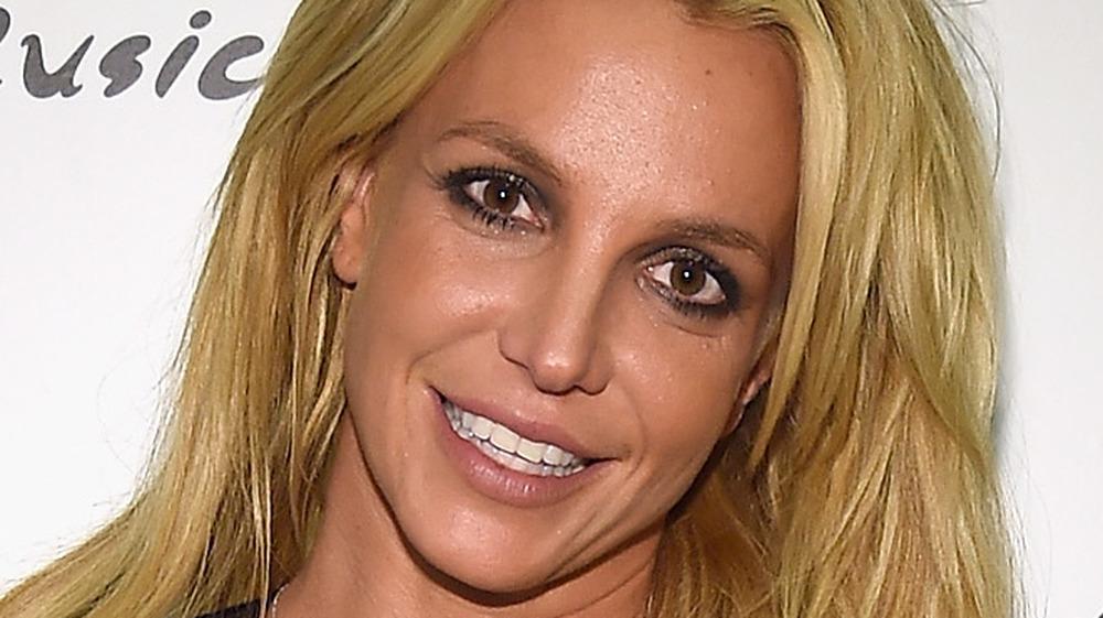 Britney Spears gold hair