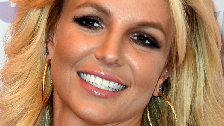 Britney Spears straight teeth