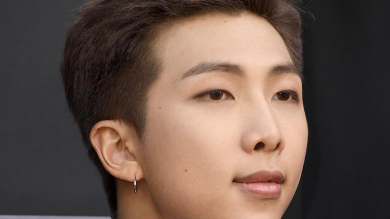 BTS' RM posing red carpet