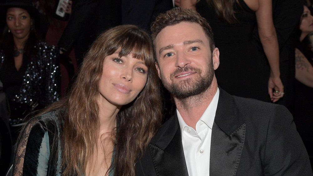 Jessica Biel and Justin Timberlake, seated