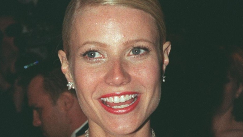 Gwyneth Paltrow at the 1999 Oscars, smiling