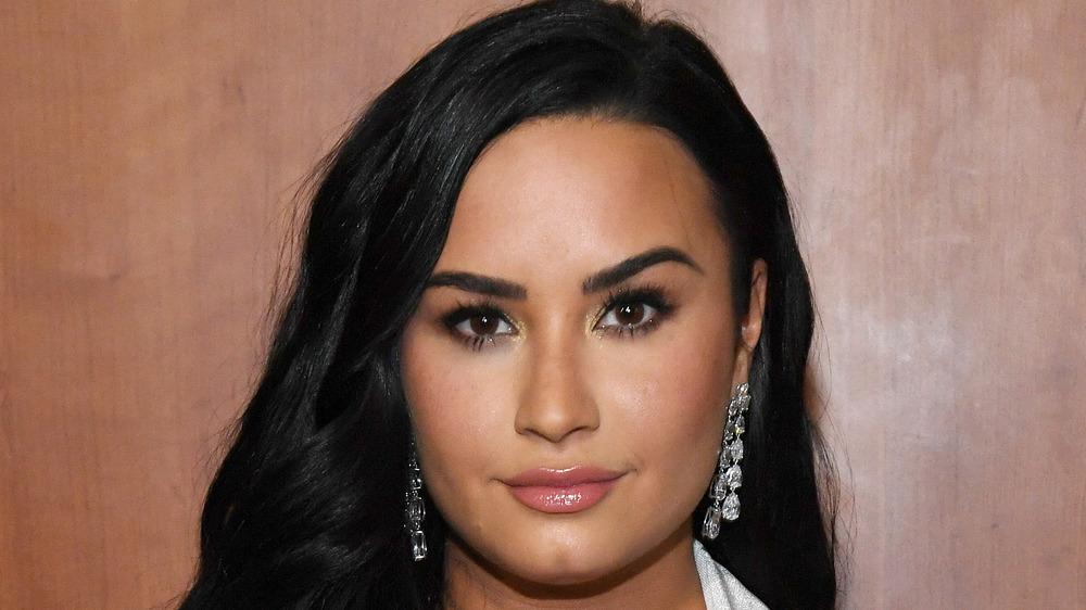 Demi Lovato posing