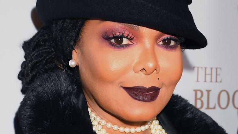 Janet Jackson dark makeup