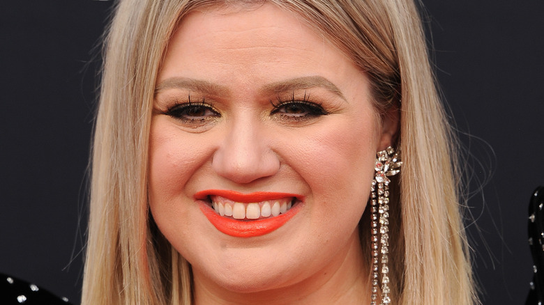 Kelly Clarkson at the 2018 Billboard Music Award