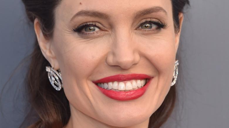 Angelina Jolie red lipstick