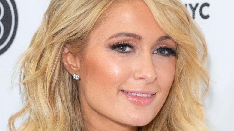 Paris Hilton face
