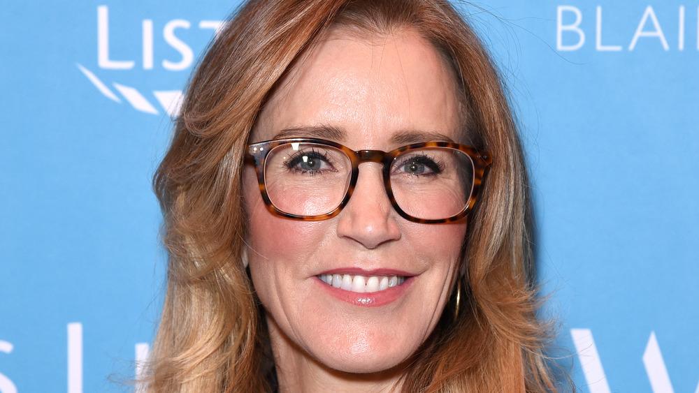Felicity Huffman wearing glasses