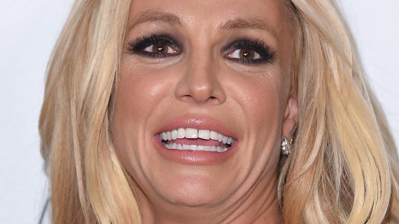 Britney Spears teeth gap