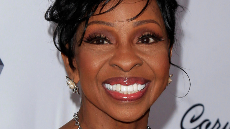 Gladys Knight flashes a smile on the red carpet