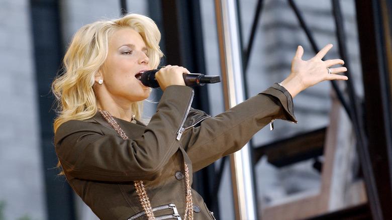 Jessica Simpson singing