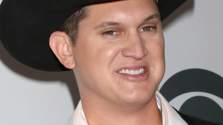 Jon Pardi smiling