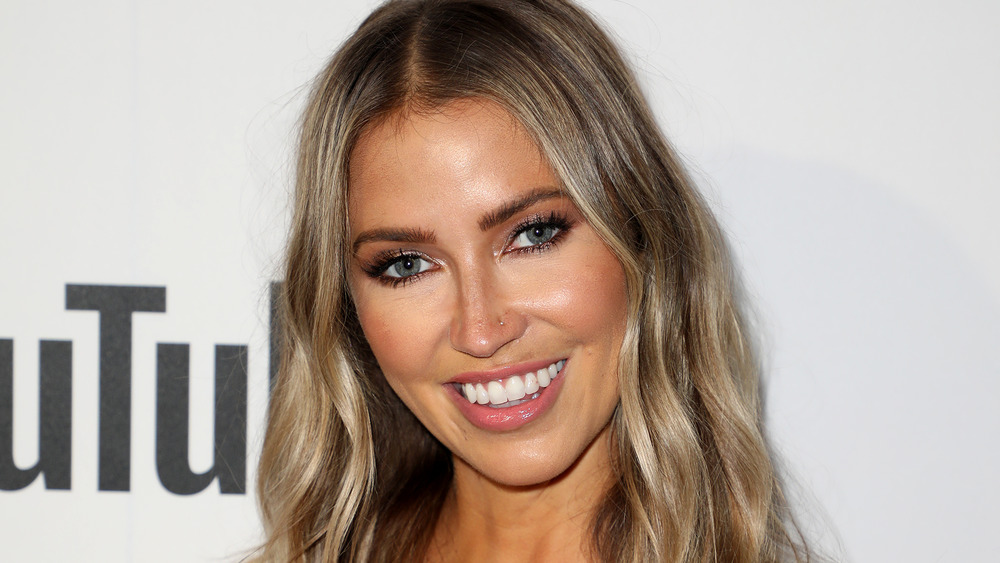 Kaitlyn Bristowe smiling on red carpet