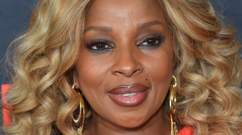 Mary J. Blige smiling