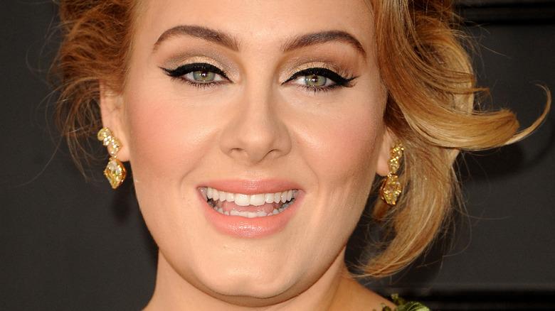 Adele smiling winged eyeliner