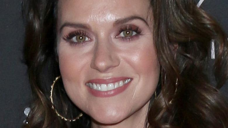 Hilarie Burton dark hair
