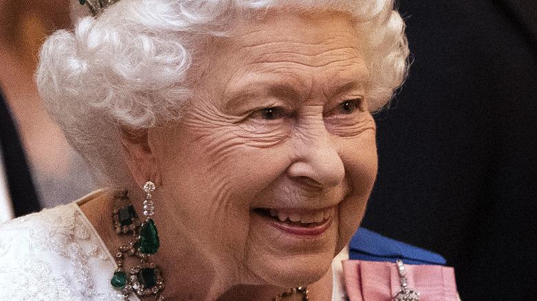 Queen Elizabeth wearing royal jewels