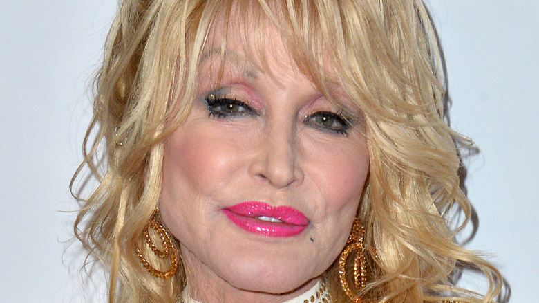 Dolly Parton red carpet