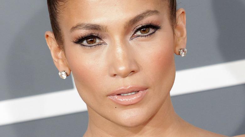 Jennifer Lopez wearing black eyeliner