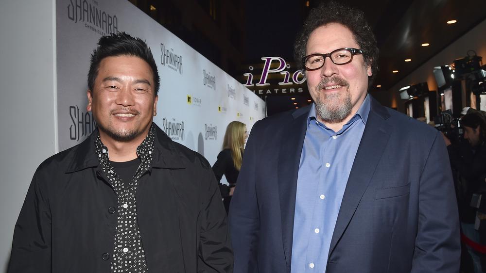 Roy Choi and Jon Favreau posing together