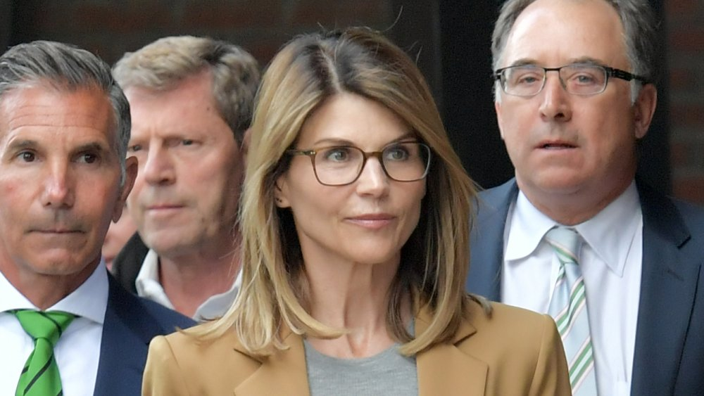 Lori Loughlin outside of a courthouse in 2019