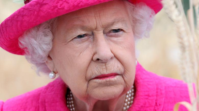 Queen Elizabeth wearing bright pink