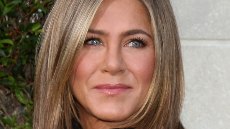 Jennifer Aniston red carpet