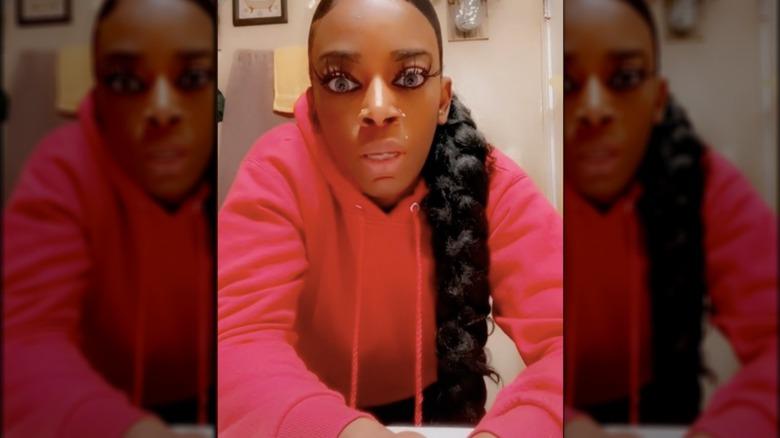 Tessica Brown explaining her Gorilla Glue situation