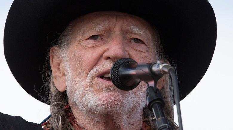 Willie Nelson singing