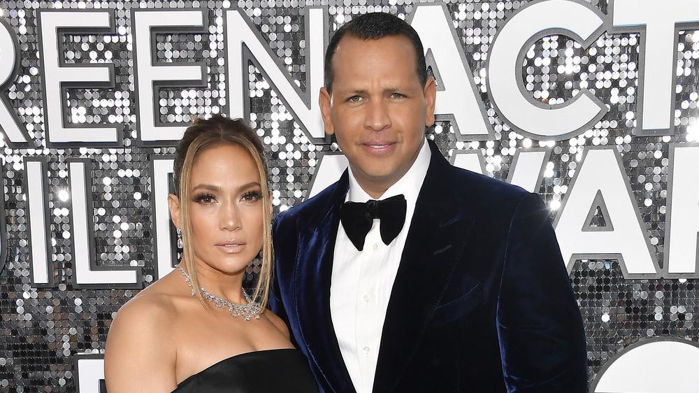 Jennifer Lopez and Alex Rodriquez posing