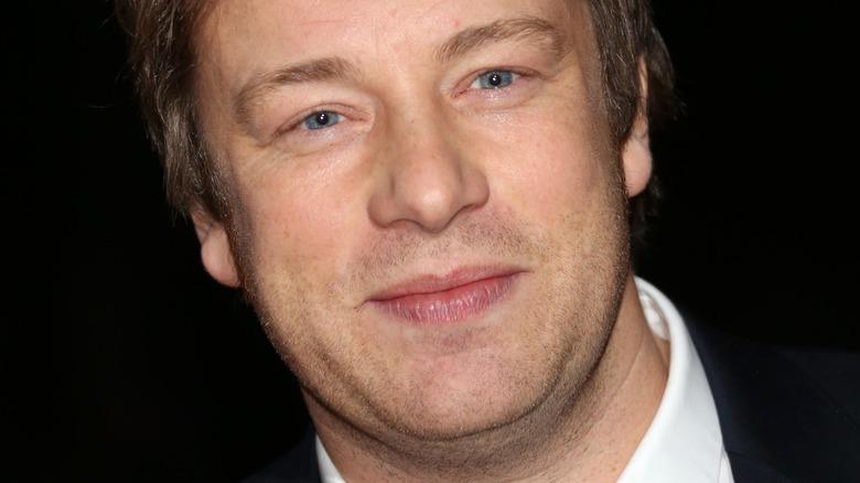 Jamie Oliver, posing