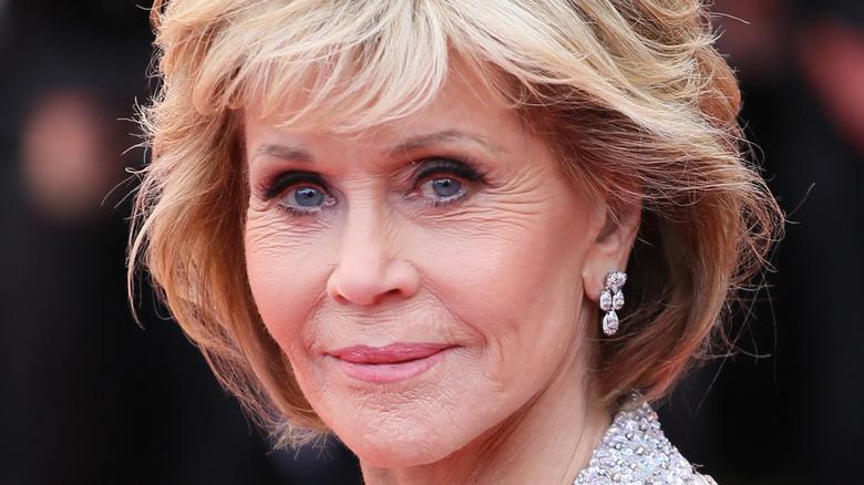 Jane Fonda posing on the red carpet