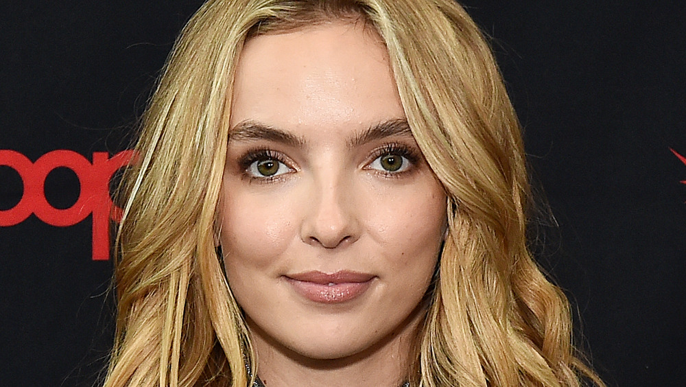 Jodie Comer poses for a photo on the red carpet