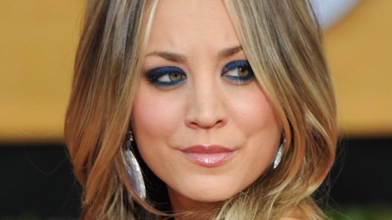 Kaley Cuoco with blue eyeshadow