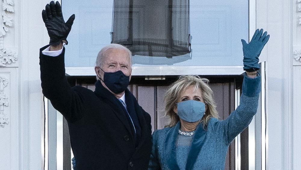 Joe Biden, Jill Biden, waving