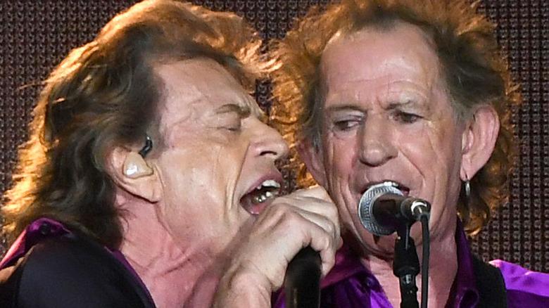 Mick Jagger and Keith Richards singing