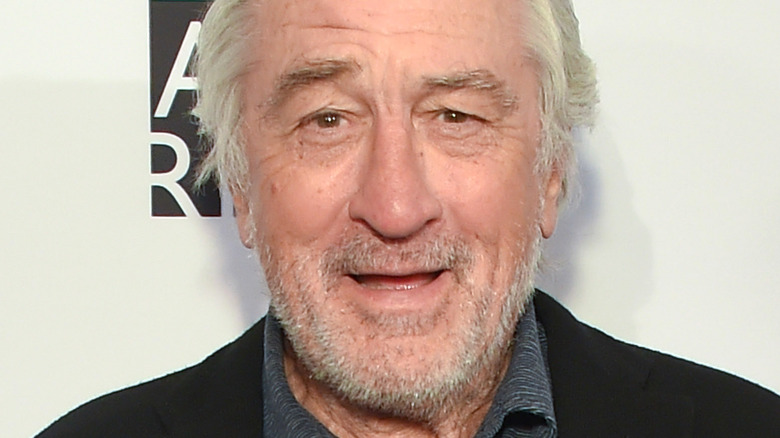 Robert De Niro gives a perplexed look on the red carpet
