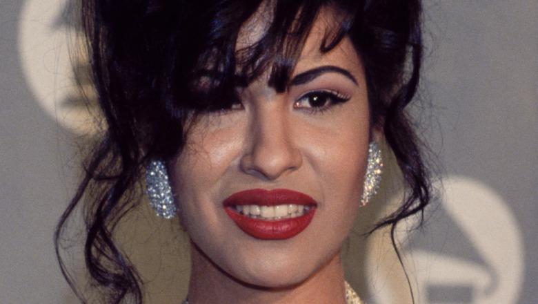 Selena Quintanilla smiling