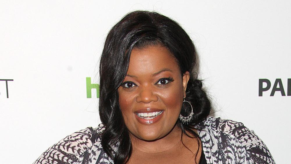 Yvette Nicole Brown smiling