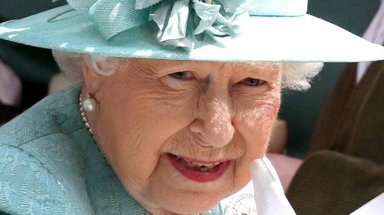 Queen Elizabeth wearing blue