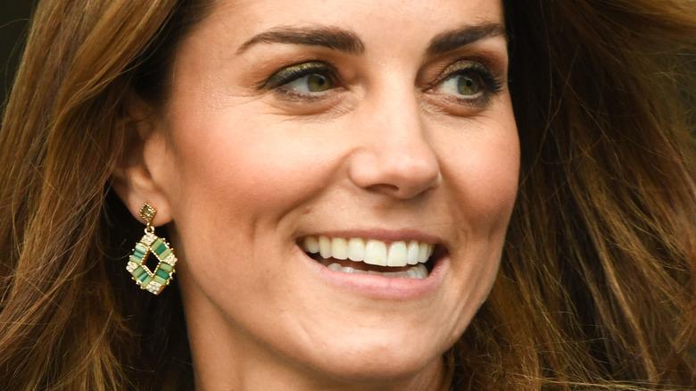 Kate Middleton green earrings