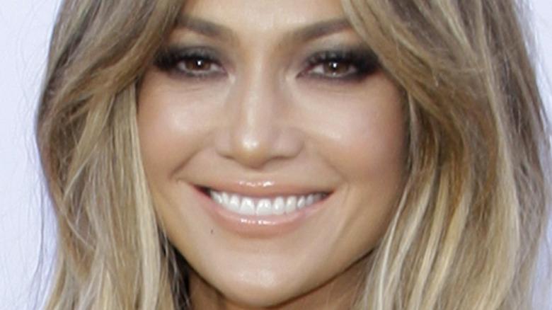 Jennifer Lopez nude lipstick