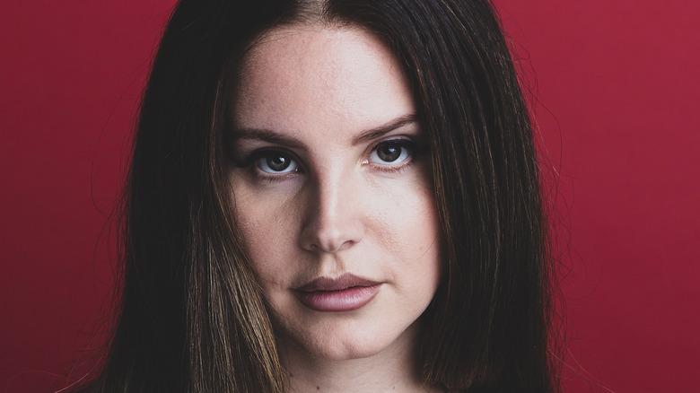 Lana Del Rey posing